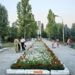 Памятник в честь 40-летия освобождения г. Бендеры от немецко-румынских захватчиков, Бендеры, кв-л  Ленинский